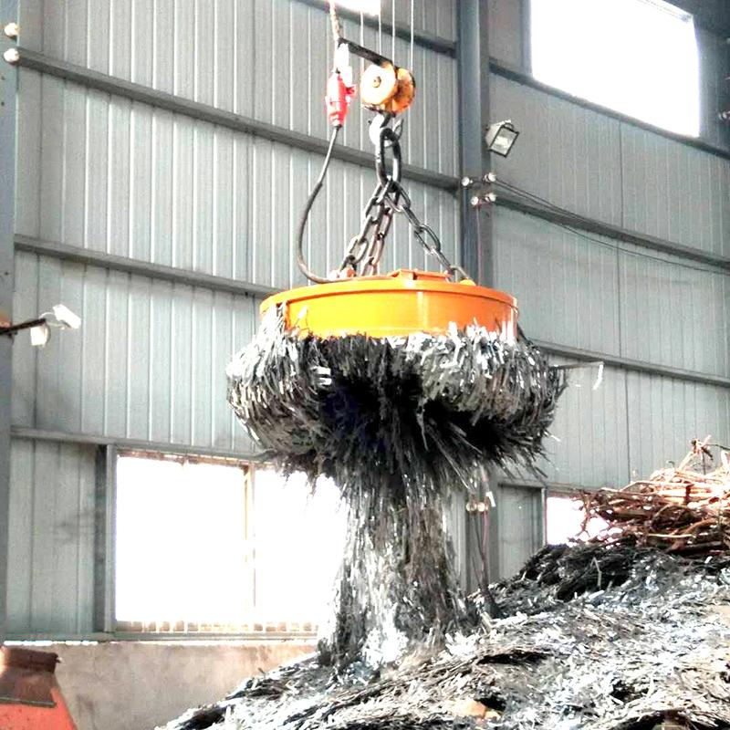 废铁厂吊废钢电磁吸盘案例